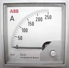 Amperímetro (escala: 250A)
