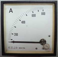 Amperimetro (escala: 800AMP)