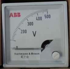 Voltímetro (escala: 500Volts)