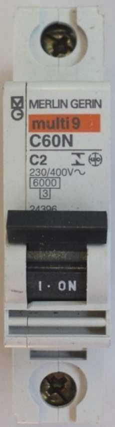 marca: Merlin Gerin modelo: multi9C60NC2 230/400V monopolar estado: novo