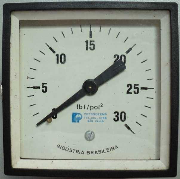 marca: Pressotemp <br/>escala: 30lbf/pol2, em caixa quadrada <br/>estado: nunca foi utilizado, estoque antigo, na caixa