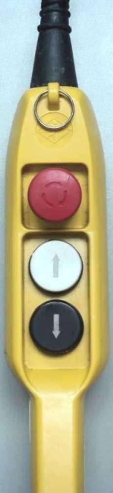modelo: 2 botões + 1 botão de emergencia estado: usada