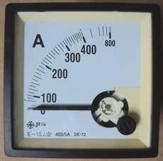 Amperímetro (escala: 400AMP)