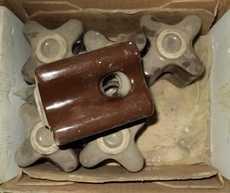 Isoladores em porcelana (marca: Germer)
