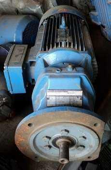 Motoredutor (modelo: RXF67 DX132S4/ES2R)
