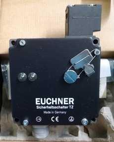 Chave p/ porta de proteção (modelo: TZ1RE024SR11)