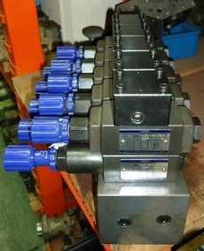 Bloco (modelo: MSA01Y10TY MRP01A10T208) com válvulas hidráulicas