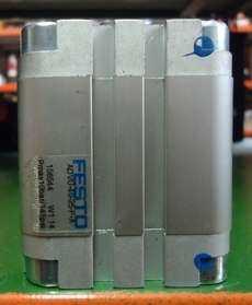 marca: FESTO modelo: ADVU4025PA 156544 40X25 estado: nunca foi utilizado