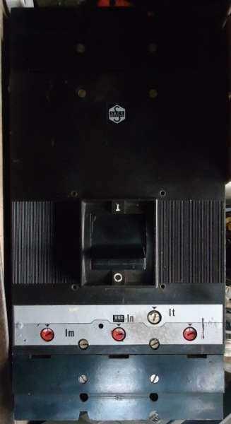 marca: Sace <br/>modelo: 800A, caixa moldada <br/>estado: usado