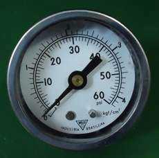 marca: Willy escala: 60PSI 4,2kgf/cm2 estado: usado