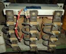 Autotransformador trifásico (modelo: 9085)