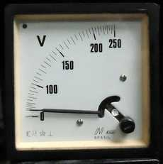 Voltímetro (escala: 250volts)