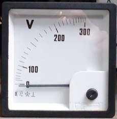 Voltímetro (escala: 300volts)