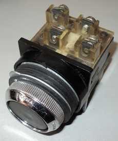 marca: Cema modelo: s/trava 30mm preto 8contatos estado: usado