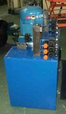 Unidade hidráulica com muitas válvulas