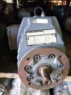 Redutor (modelo: RXF57 DZ71D4)
