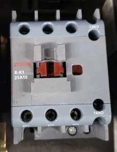 Contator (modelo: SK125A10)