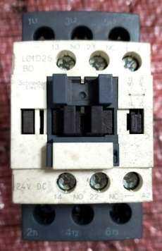 Contator (modelo: LC1D25BD 24VDC)